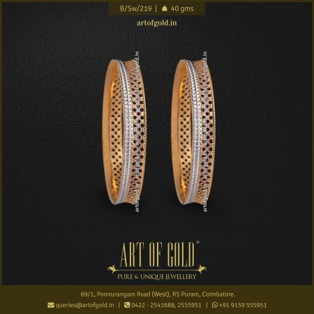 Designer Daily Use Gold Bangle
