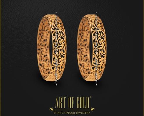 Designer Plain Gold Bangle