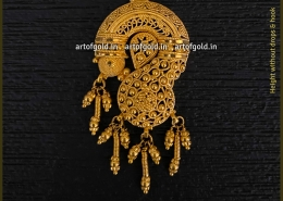 Gold Filigree Pendant