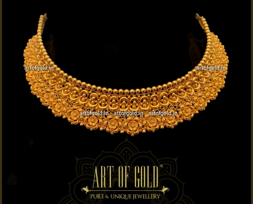 Traditional Gold Choker