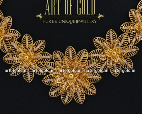 Gold Flower Design Necklace